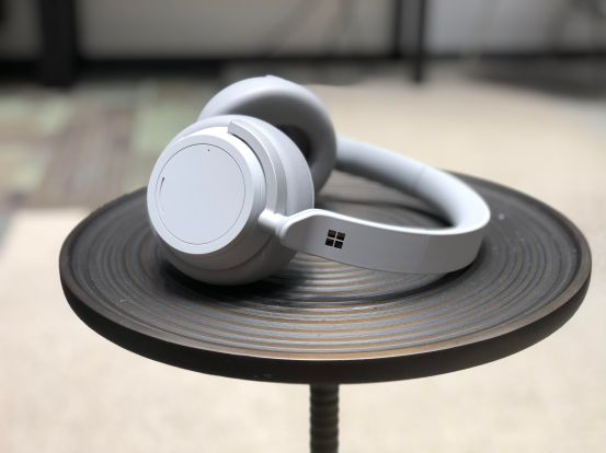 microsoft-surface-headphones-29