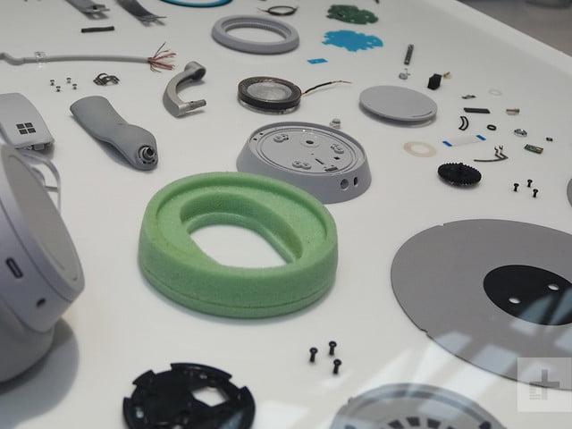 surface-headphones-4800-640x640.jpg